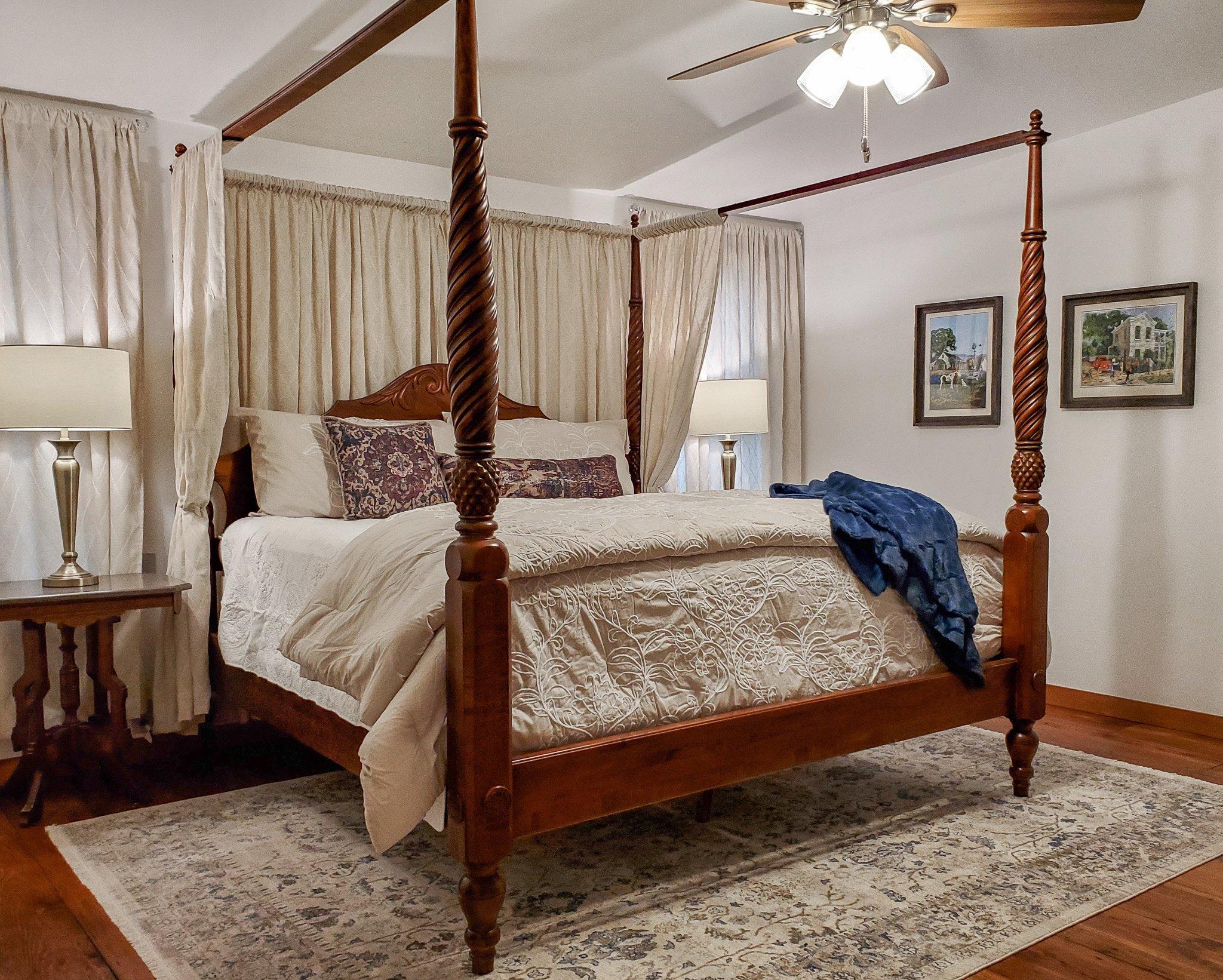 Harvest Haus Master - King Bed